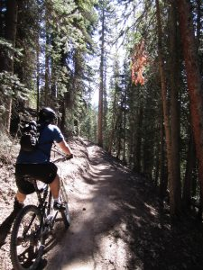 Moutain Biking, Glamping, camping activities
